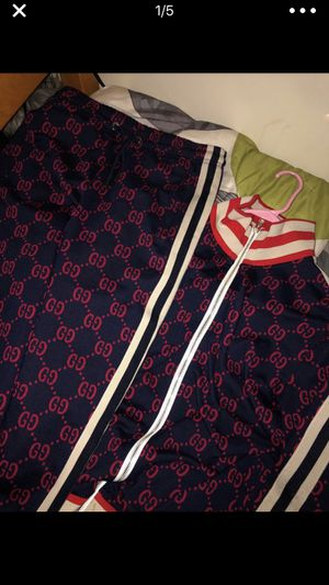 Authentic Gucci Men's Sweatsuit for Sale in Fort Washington, MD