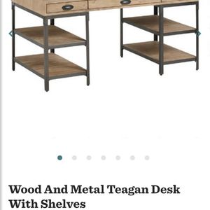 World Market - Wood & Metal Desk! for Sale in Visalia, CA