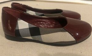Burberry shoes size 1 for Sale in Tacoma, WA