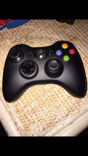 Xbox 360 controller for Sale in Chelsea, MA