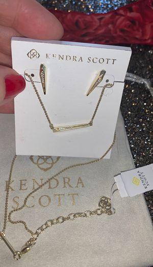 Kendra Scott Elliot set (earrings +necklace), New for Sale in Carrollton, TX