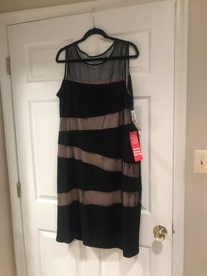 BRAND NEW SIZE 18W EVENING DRESS WITH TAGS for Sale in Princeton, NJ