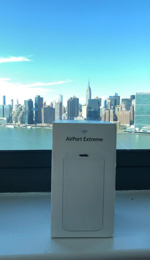 APPLE AIRPORT EXTREME Router A1521 3-PORT GIGABIT WIFI 802.11 AC ROUTER 6th Gen Comes in Original Box with Power Cord & Manual for Sale in Queens, NY