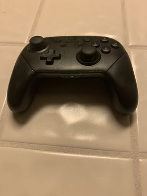 Nintendo switch pro controller for Sale in Bakersfield, CA