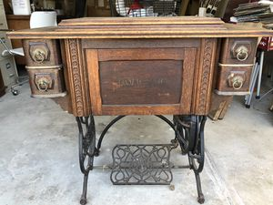 Antique sawing machine & desk for Sale in Concord, CA