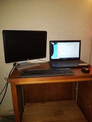 Laptop + Monitor + Wireless Keyboard/USB Mouse for Sale in Cleveland Heights, OH