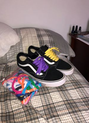Vans Classic (with multiple colored laces) for Sale in Dallas, GA