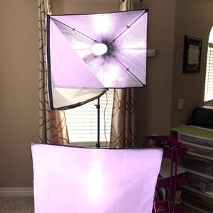 2 Soft Box Lights With Standa And Bulbs for Sale in Perris, CA