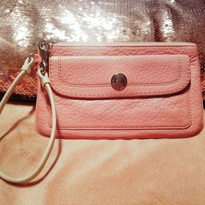 Coach wristlet/wallet for Sale in Lawrenceville, GA