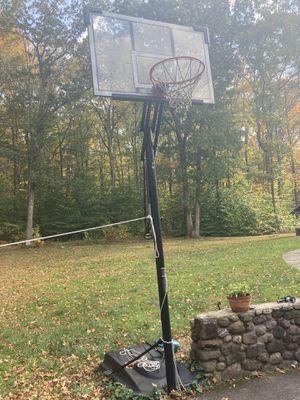 Lifetime elite basketball hoop for Sale in Woodbridge, CT