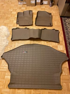 Weather tech floor liner for Toyota Venza. Like new used only one month. for Sale in Lincolnshire, IL