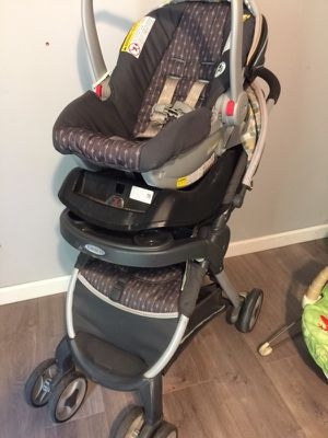 Graco car seat with base and stroller for Sale in Alexander, AR