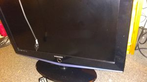 "Samsung TV 32"" blue ray HDMI flat screen for Sale in Hoquiam, WA"
