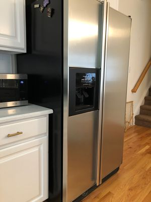 Kitchen Aid Refrigerator Excellent Condition for Sale in Raleigh, NC