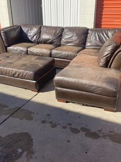 Comfortable Leather Sectional Couch w/ Ottoman *Free Delivery! for Sale in Denver,  CO