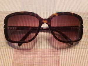 Tiffany & Co Sunglasses for Sale in Cleveland, OH