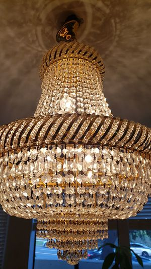Beautiful Brand New Chandelier for Sale in Los Angeles, CA