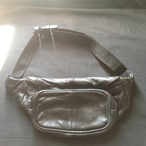 Unisex waist bag for Sale in Las Vegas, NV