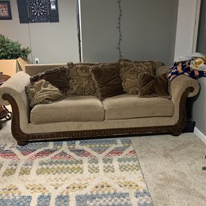 2 Couches And Middle Table And 2 End Tables for Sale in Rochester Hills, MI