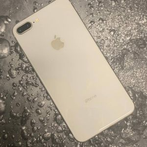 IPhone 8 Plus 64 GB Unlocked for Sale in Everett, MA