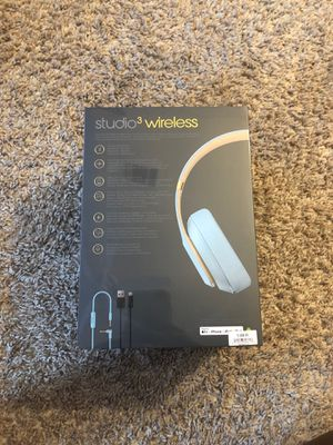 Beats studio 3 wireless for Sale in Raleigh, NC