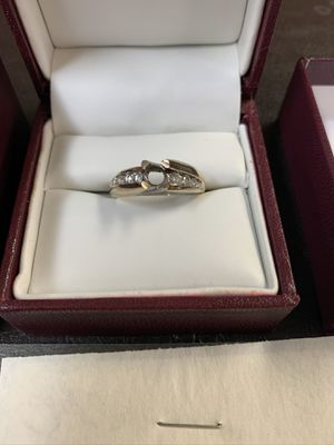 Yellow gold diamond ring for Sale in Beach Park, IL