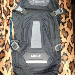 Mule Camelback Bag W/bladder for Sale in Woodbridge, VA