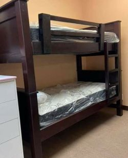 New Bunk Bed Twin Twin With Mattresses for Sale in Los Angeles,  CA