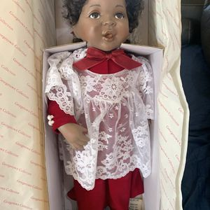 Beautiful Grace porcelain doll for Sale in Lake Havasu City, AZ