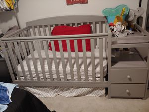 Nice crib n changing table combo for Sale in Salt Lake City, UT