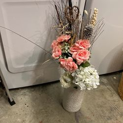 Vase With Synthetic Flower Arrangement for Sale in Tacoma,  WA