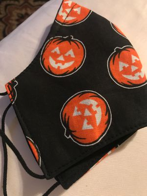 Halloween cloth face mask. for Sale in Fountain Valley, CA