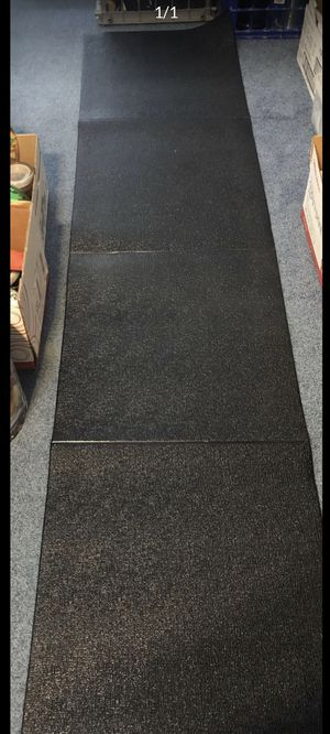 Like new yoga mat for Sale in Smyrna, TN