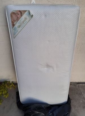 """Simmons """"Little Folks"""" Mattress for Sale in Claremont, CA"""