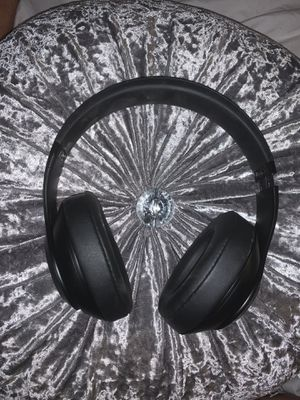 Beats headphones 🎧 wireless studio 3 with USB cord used $145 for Sale in Grand Prairie, TX