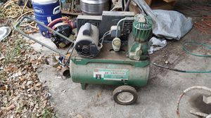 Smaller sized air compressor for Sale in Irving, TX