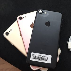 iPhone 7 | Unlocked | Like New Condition | Comes With 30 Days Warranty for Sale in Tampa, FL