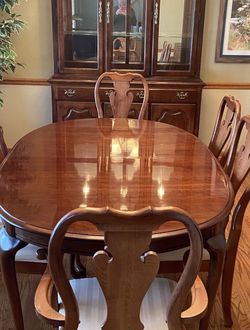 Thomasville Dining Room Set!! ($500 OBO) for Sale in Naperville,  IL