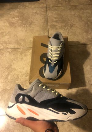 ADIDAS 700 WAVE RUNNERS SIZE 10 for Sale in Phoenix, AZ