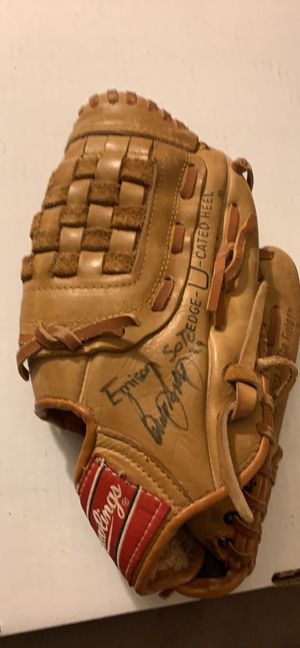 Rawlings RBG 224 Ken Griffey Jr. Baseball Mitt Glove 11 inch for Sale in Pittsburgh, PA