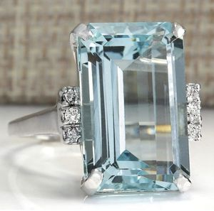 Vintage aquamarine 6 ct women's ring for Sale in Springfield, MA