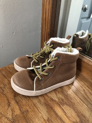 Boys toddler 9 snow boots for Sale in Terre Haute, IN