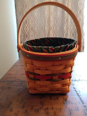 Longaberger Small Holiday Basket for Sale in Jacksonville, NC