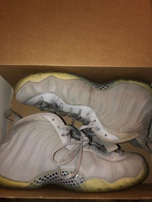 Wolf grey foamposites sz10 for Sale in Mint Hill, NC