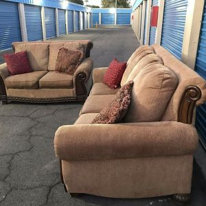 Antique Nice Couch and Loveseat, Very Clean for Sale in Glendale, AZ