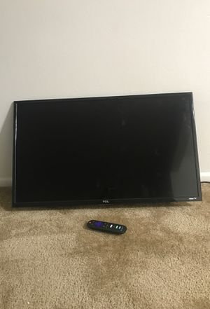 "32"" TCL •Roku Tv for Sale in St. Louis, MO"