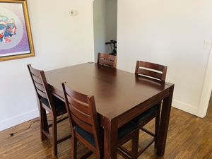 Wood expandable dining table, 6 chairs, brown, coral gables, $247 for Sale in Miami, FL