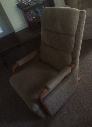 Reclining Chair for Sale in Dixon, MO