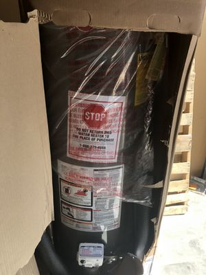 Rheem 40gal natural gas water heater for Sale in Duncanville, TX