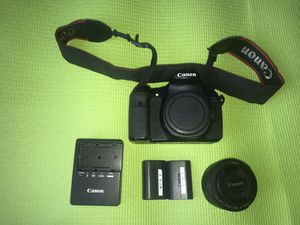 CANON 60D DSLR CAMERA WITH LENS, CHARGER AND BATTERIES for Sale in Homestead, FL